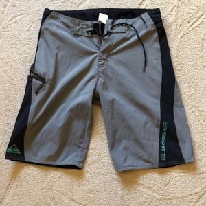 Men's Quicksilver Boardshorts 30
